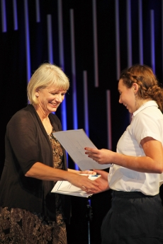 Mrs. Knechtel presenting award